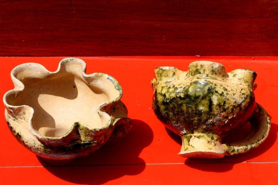 Tasses polylobées (XIIIème siècle) Photo JML